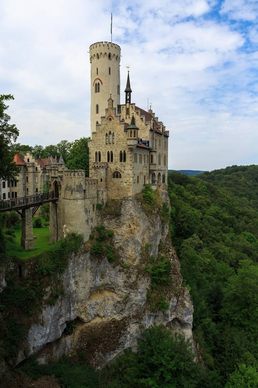 Замок бург эльц в германии – шедевр средневекового зодчества