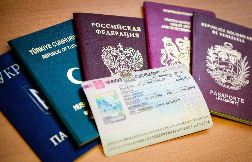 Эмиграция в чехию: программы, список профессий, плюсы и минусы
