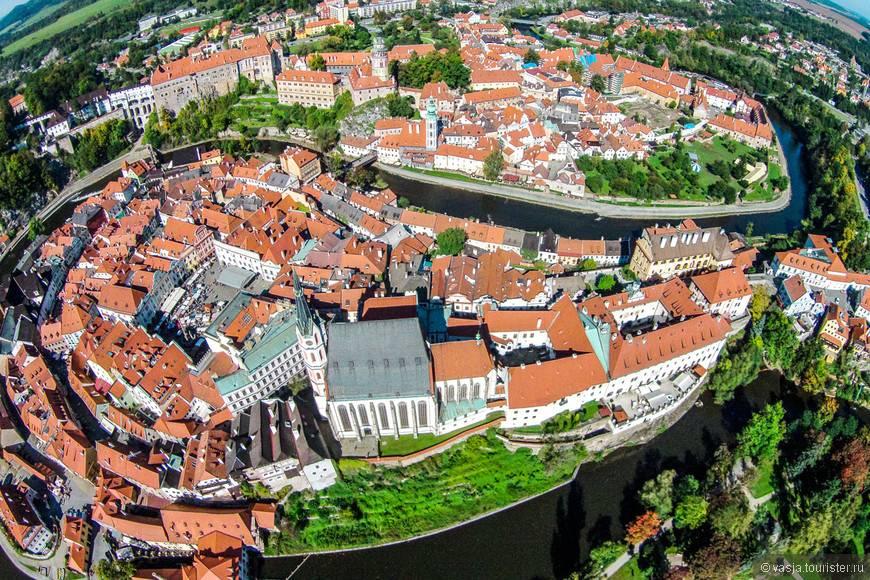 Экскурсия в чешский крумлов и замок глубока над влтавой из праги