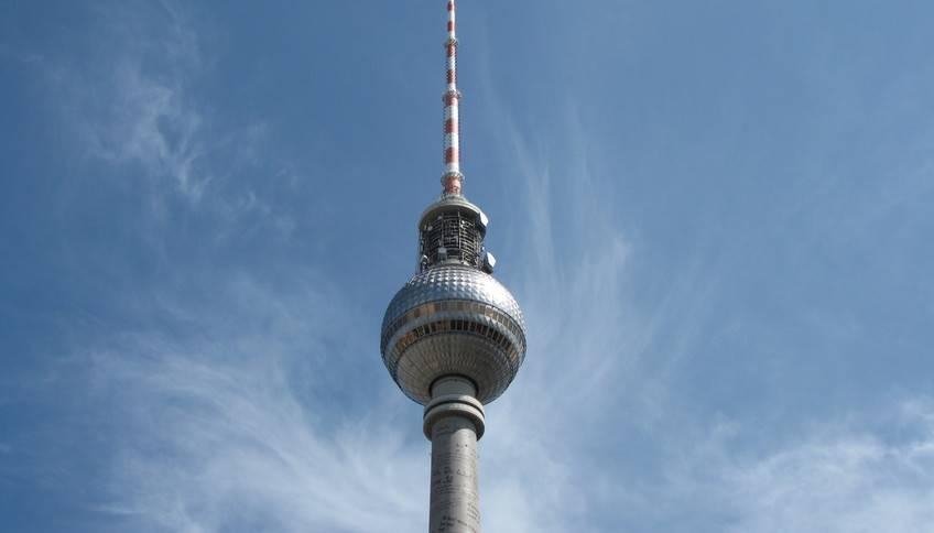Берлинская телебашня (fernsehturm) - знаменитая достопримечательность