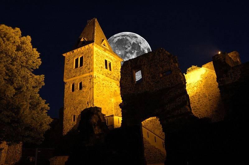 Замок франкенштейна в германии: фото, описание, мифы, история