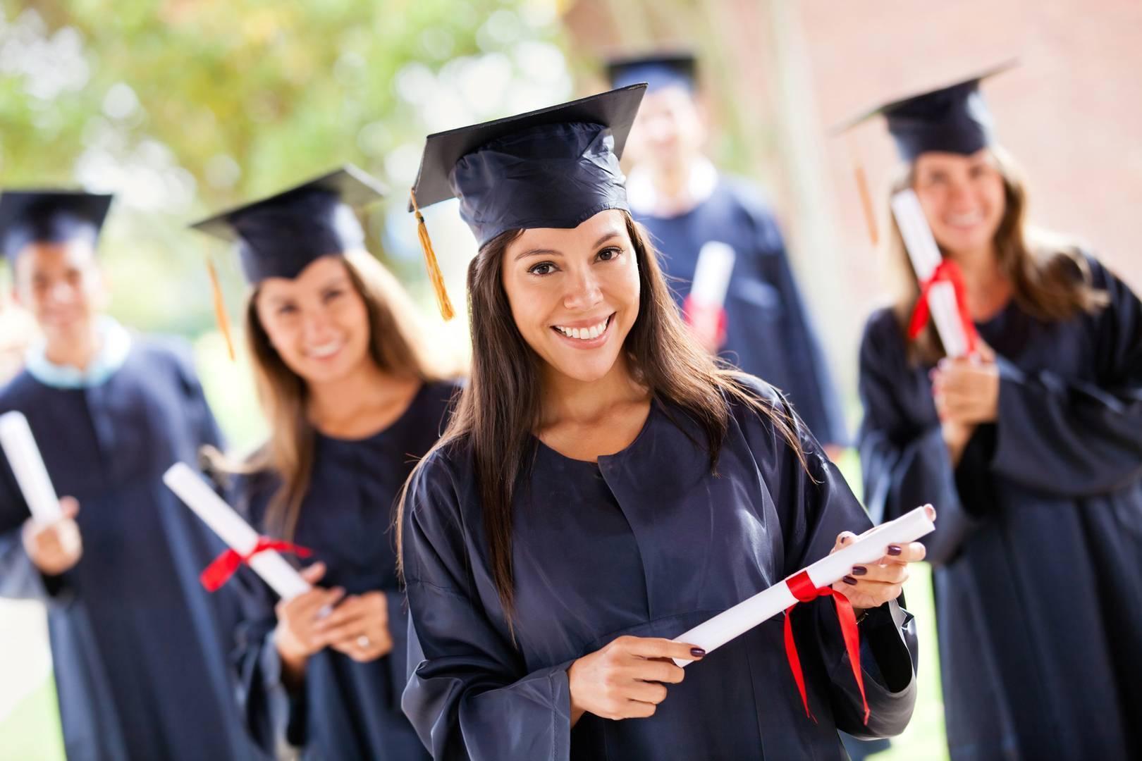 Все плюсы и минусы дистанционного и очного образования | оффлайн и онлайн образование