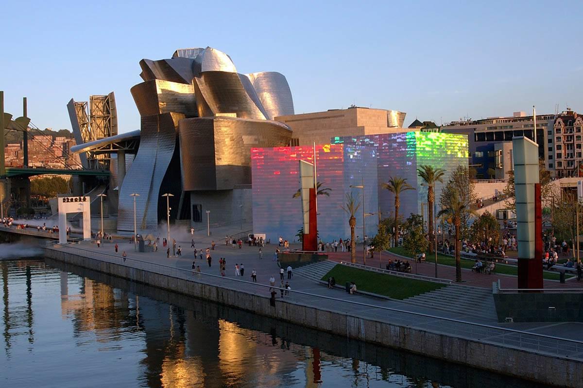 Музей гуггенхайма в бильбао: деконструкция пространства и сознания — моноклер