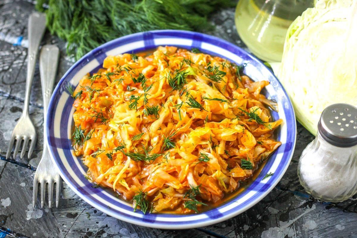 Тушеная капуста: простой рецепт приготовления сельского кушанья