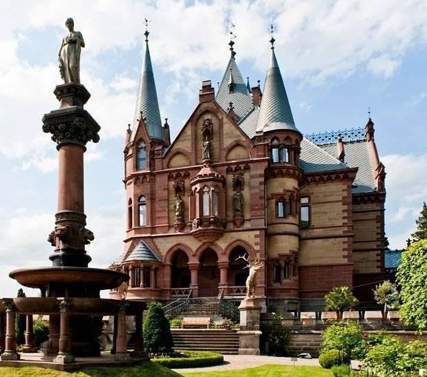 Драхенбург - одно из самых величественных сооружений германии