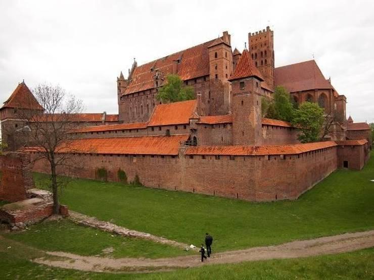 Замок мальборк (мариенбург): самый большой кирпичный замок