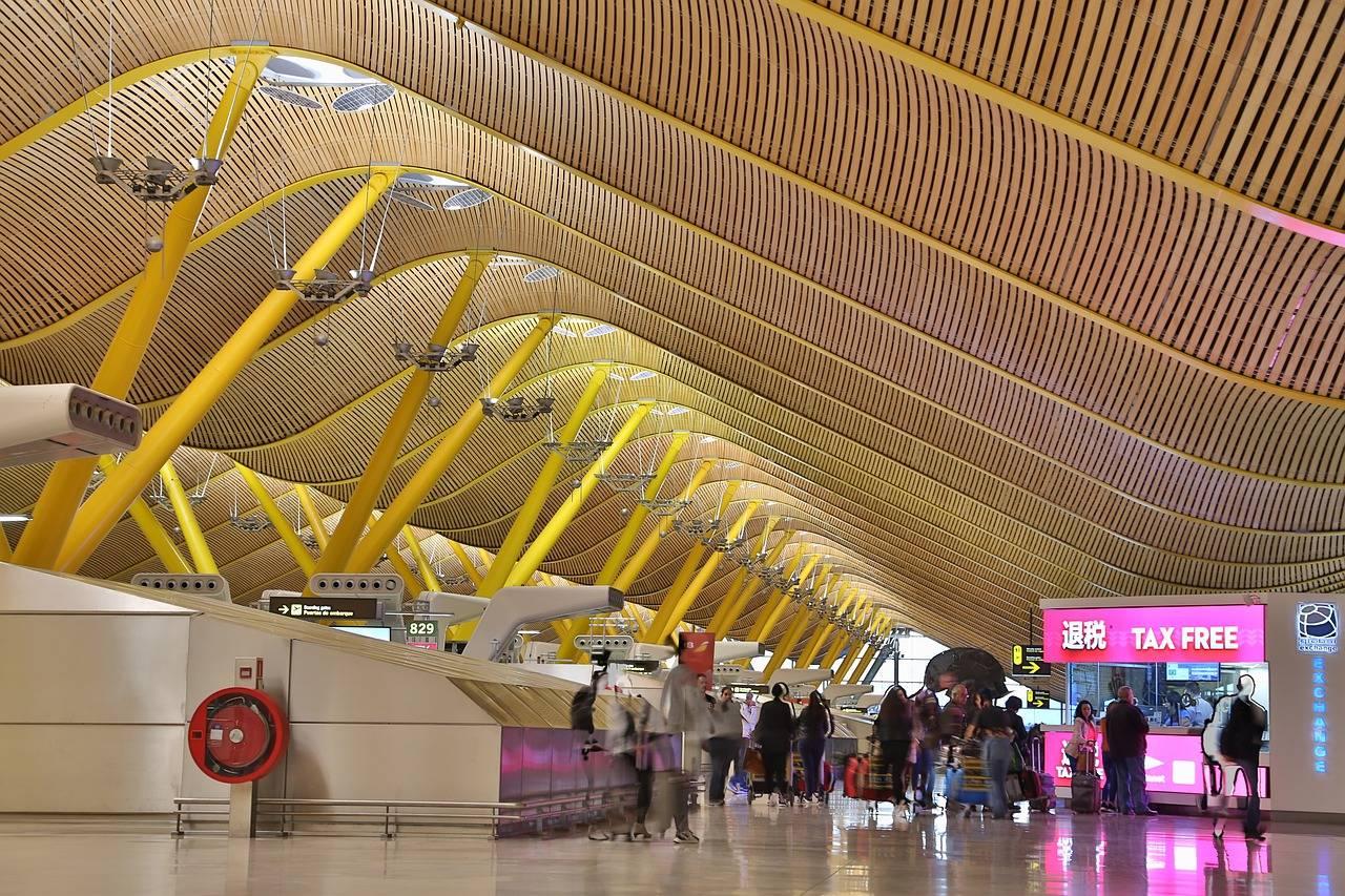 Аэропорт мадрида: как добраться до центра города быстро и недорого. отзывы – 2021