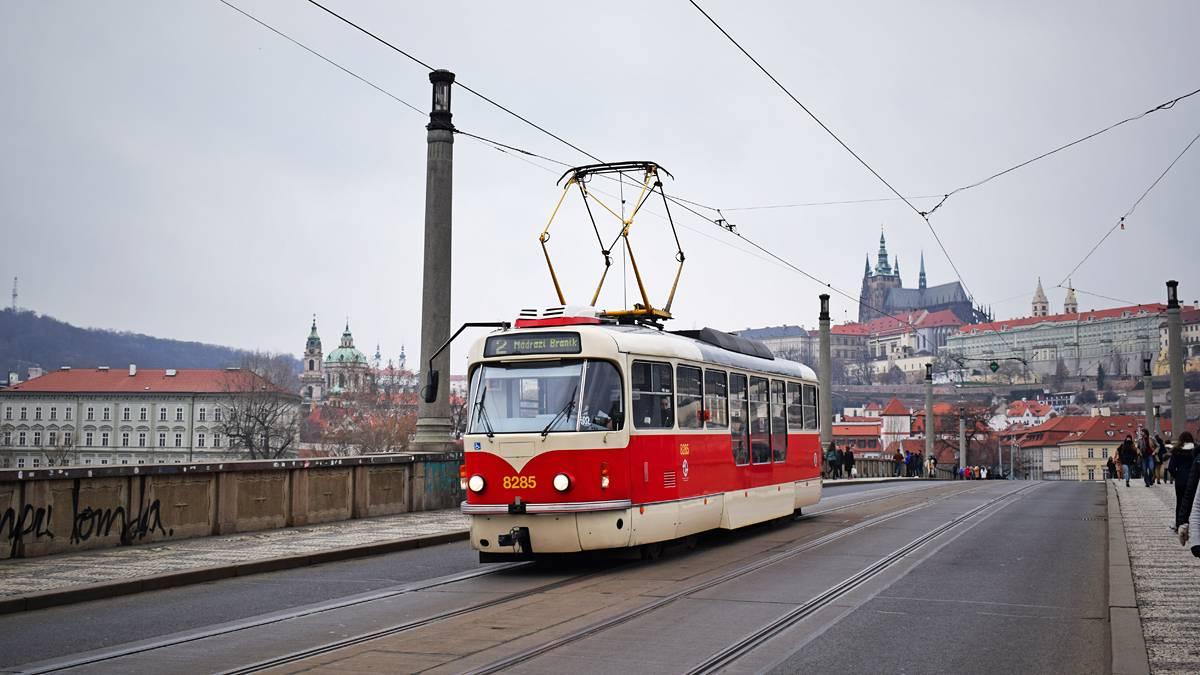 Как ездить на общественном транспорте в праге?