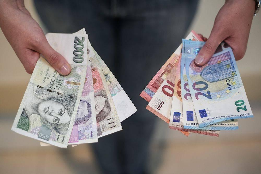 Какие деньги брать с собой в путешествие | какую валюту взять в поездку | обмен иностранной валюты за границей | путешествия, впечатления, советы