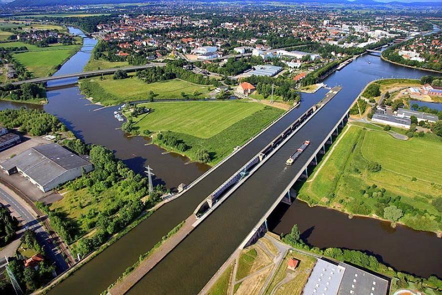 Крымский (керченский) мост будет обойдён с помощью акведука (оттуда...)