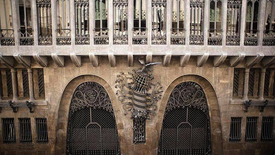 Дворец гуэля   / чертежи архитектурных памятников, сооружений и объектов - наглядная история архитектуры и стилей