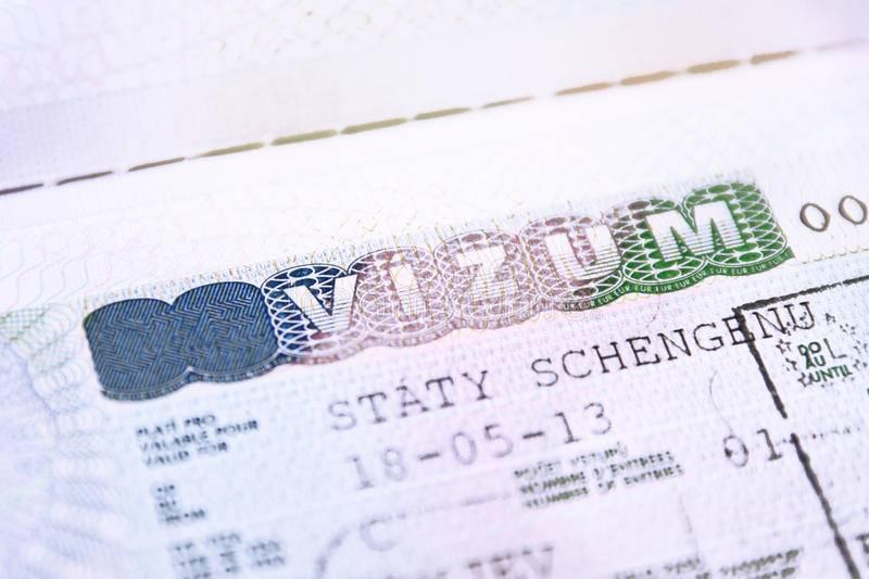 Студенческая виза в чехию для россиян: как получить и сколько стоит долгосрочная учебная виза в чехию? | espanglish