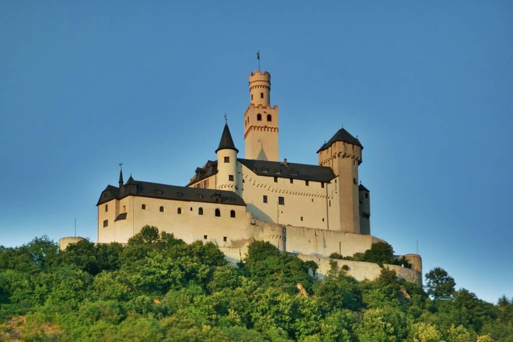 Замок марксбург. достопримечательности германии