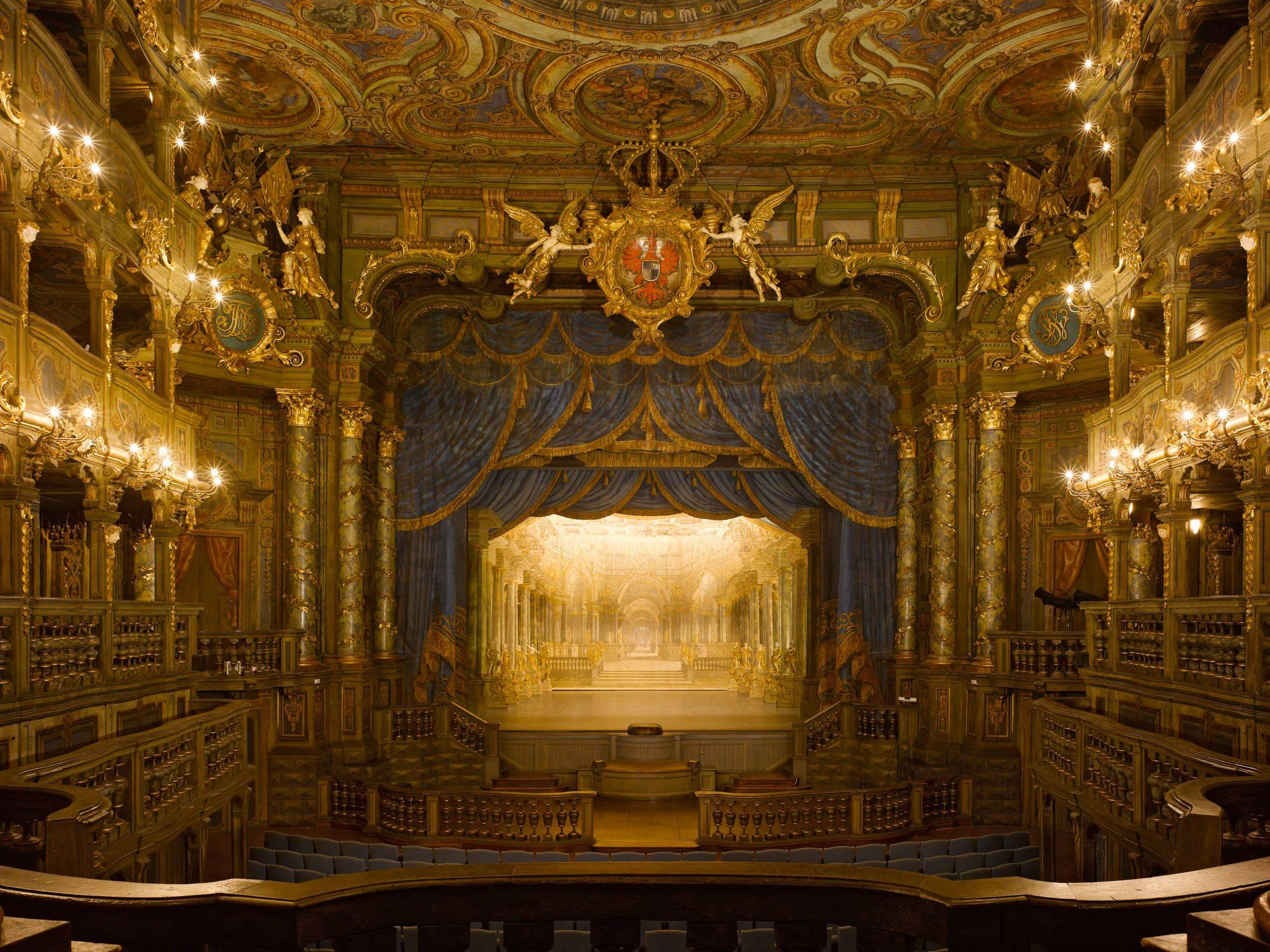 Как купить билет в театр: советы театралов