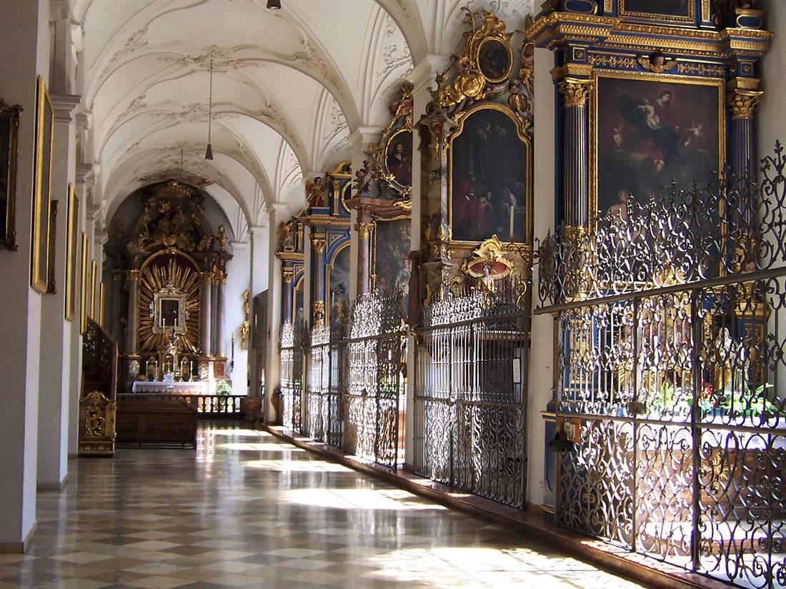 Петерскирхе, мюнхен (церковь святого петра). отели рядом, фото, видео, смотровая, как добраться – туристер.ру