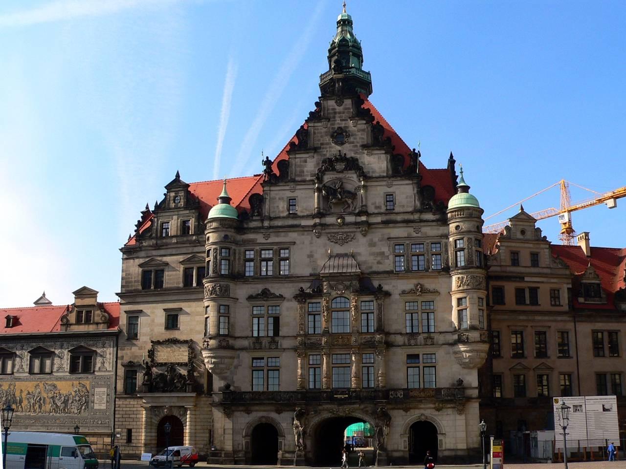 Дрезденский замок-резиденция в городе дрезден