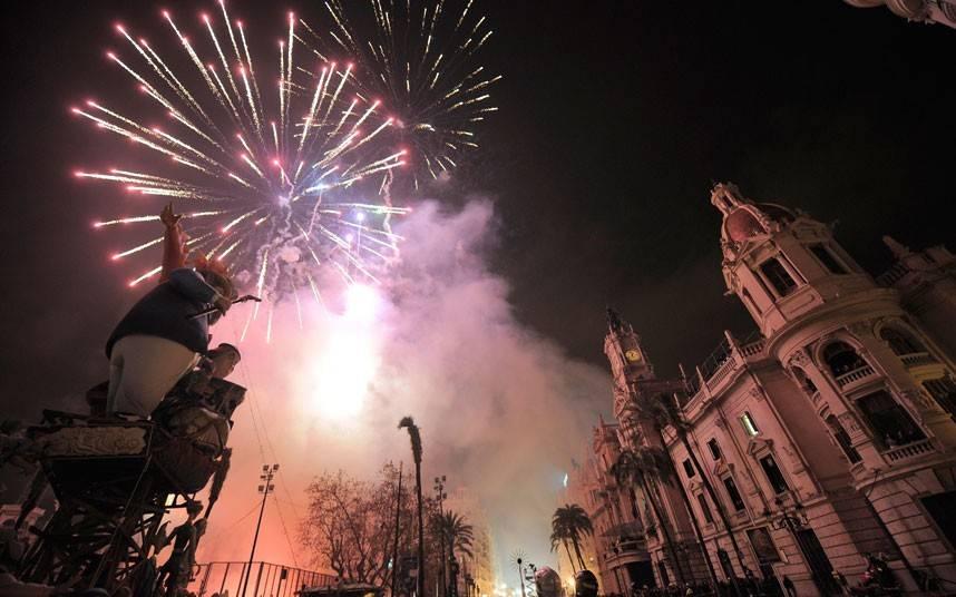 Праздники каталонии. испания по-русски - все о жизни в испании