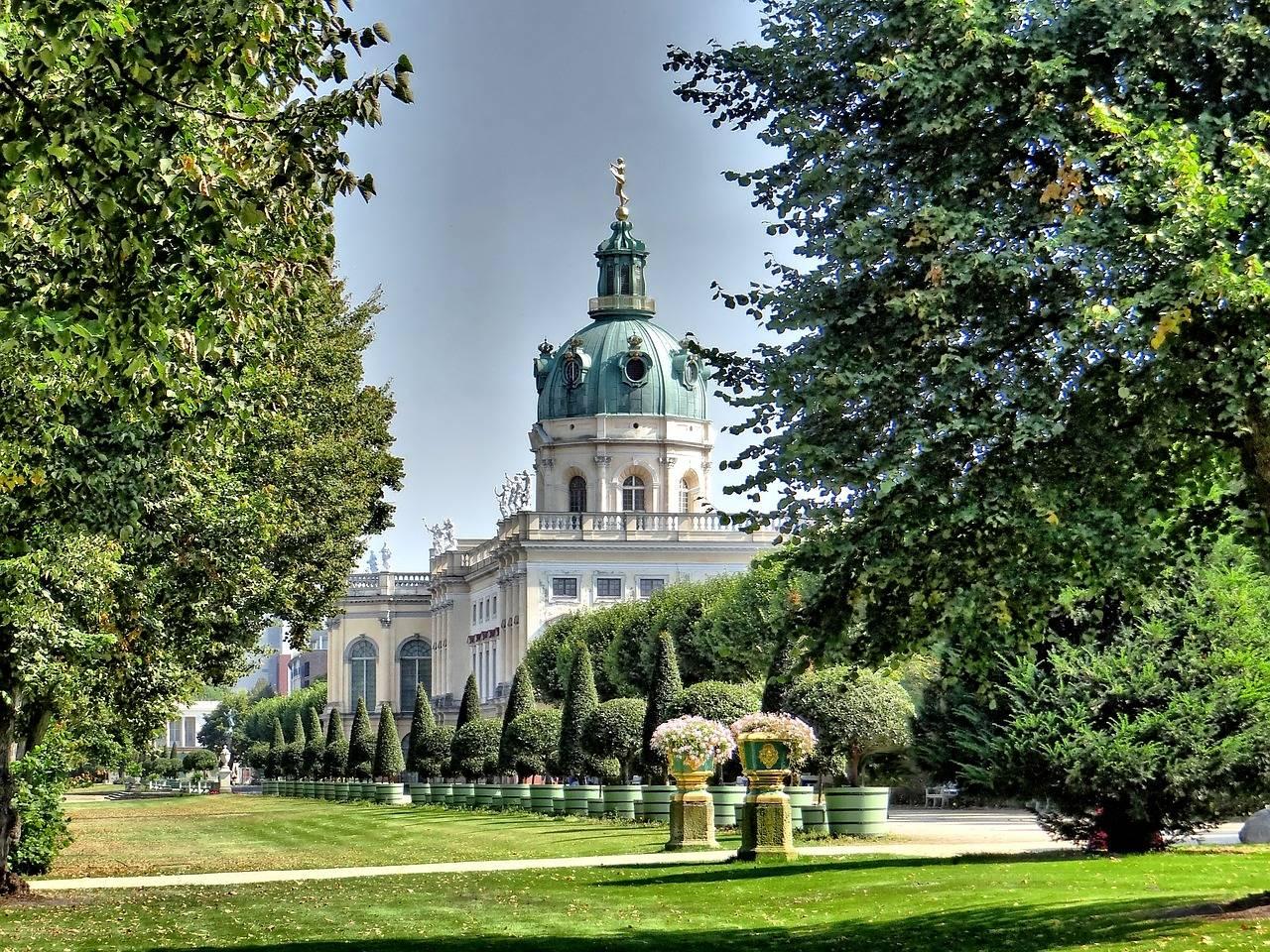 Замок шарлоттенбург, берлин (германия): история, фото, как добраться, адрес на карте и время работы в 2021