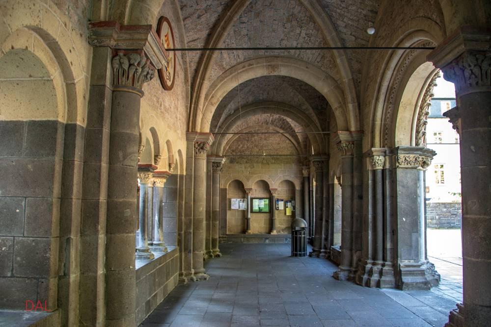 Экскурсия в лаахское аббатство святой марии