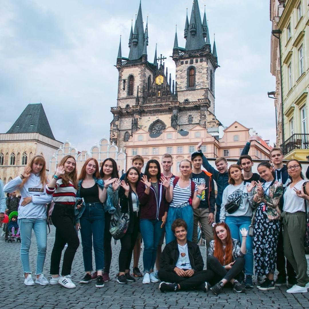 Обучение в чехии для русских — бесплатное образование и учеба в вузе после 11 класса на чешском и какая стоимость на английском — вне берега