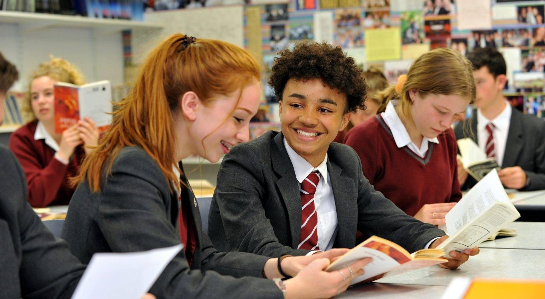 Образование в англии (великобритании): как получить, стоимость обучения для русских — как бесплатно поступить на высшее — вне берега