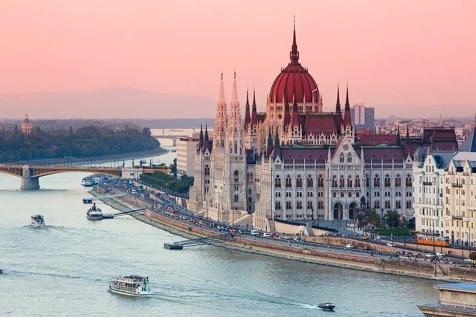Путешествие из Москвы: Будапешт-Ницца-Милан