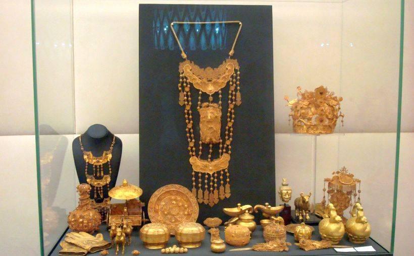 Директор музея фаберже в баден-бадене ответил на критику эрмитажной выставки