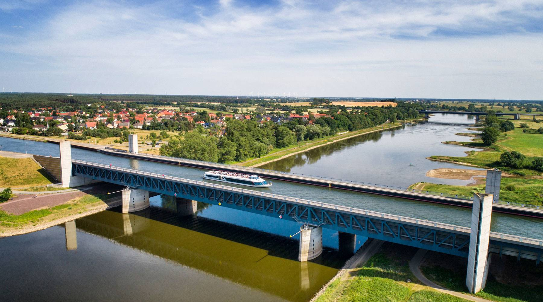 Магдебургский водный мост – один из самых впечатляющих водных мостов в мире