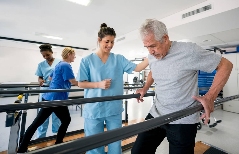 Медицина в польше, медицинская страховка частная и государственная