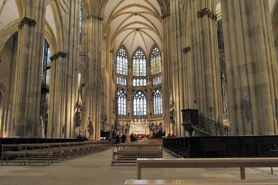 Готические соборы средневековья: 6 шедевров европы