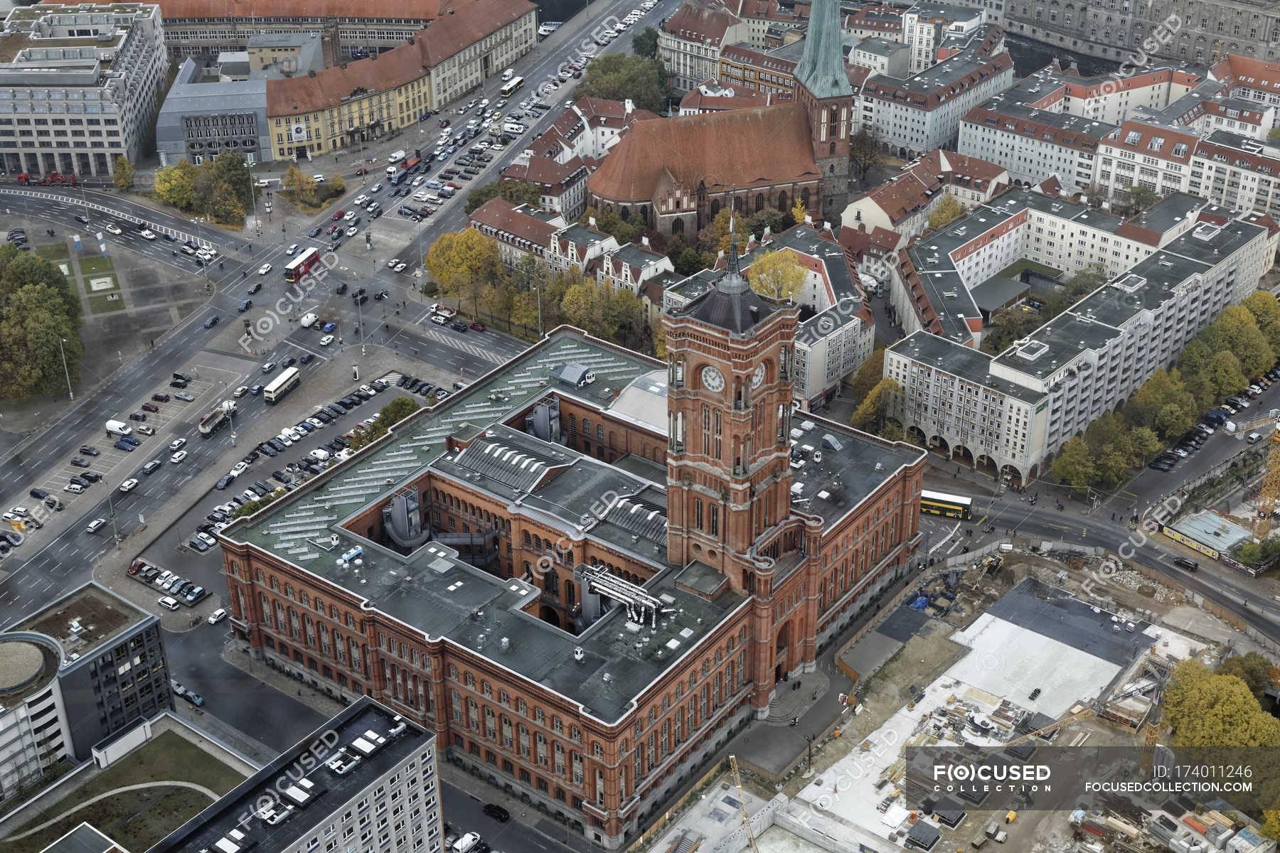 Красная ратуша в берлине: история описание, фото