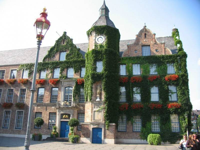 Дюссельдорфская ратуша — википедия. что такое дюссельдорфская ратуша