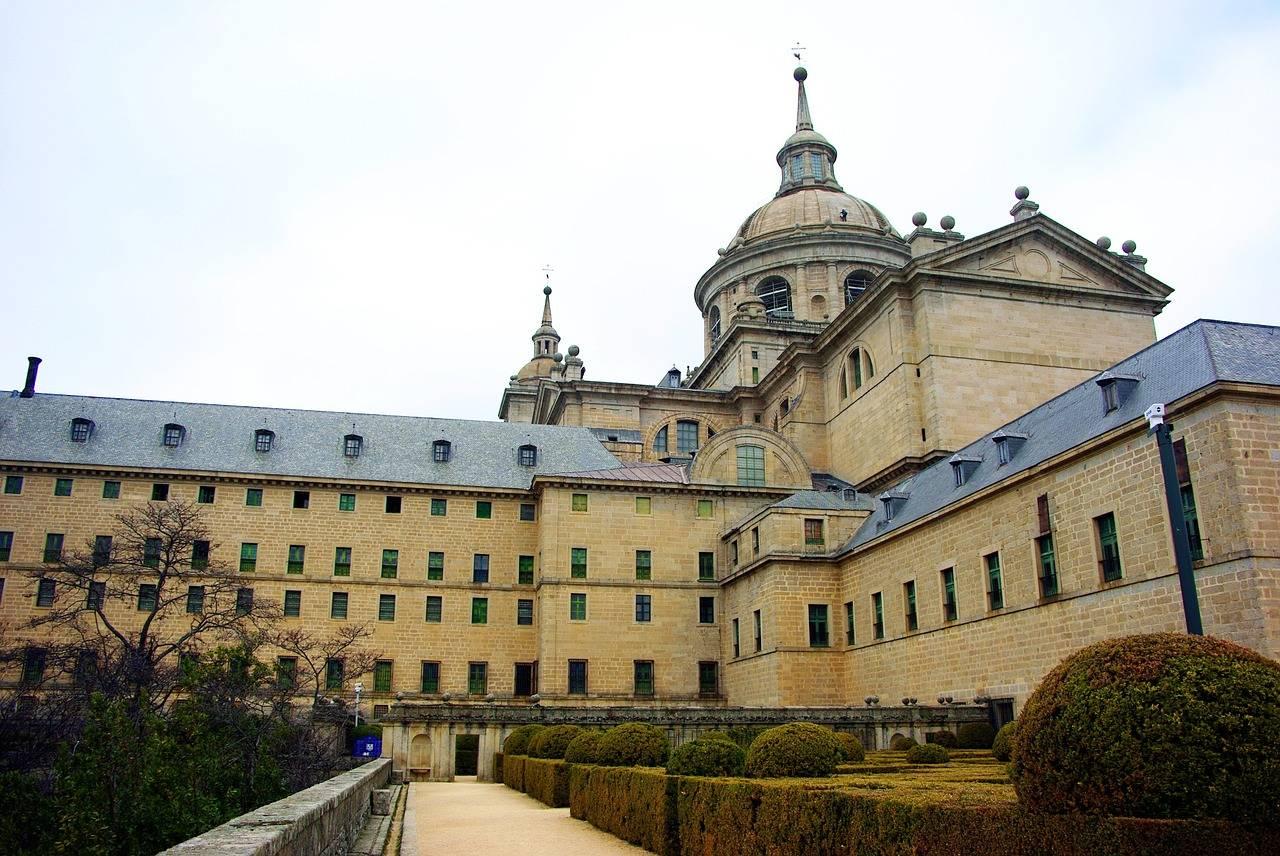 Эскориал: монастырь-дворец-крепость | lovetravel.od.ua