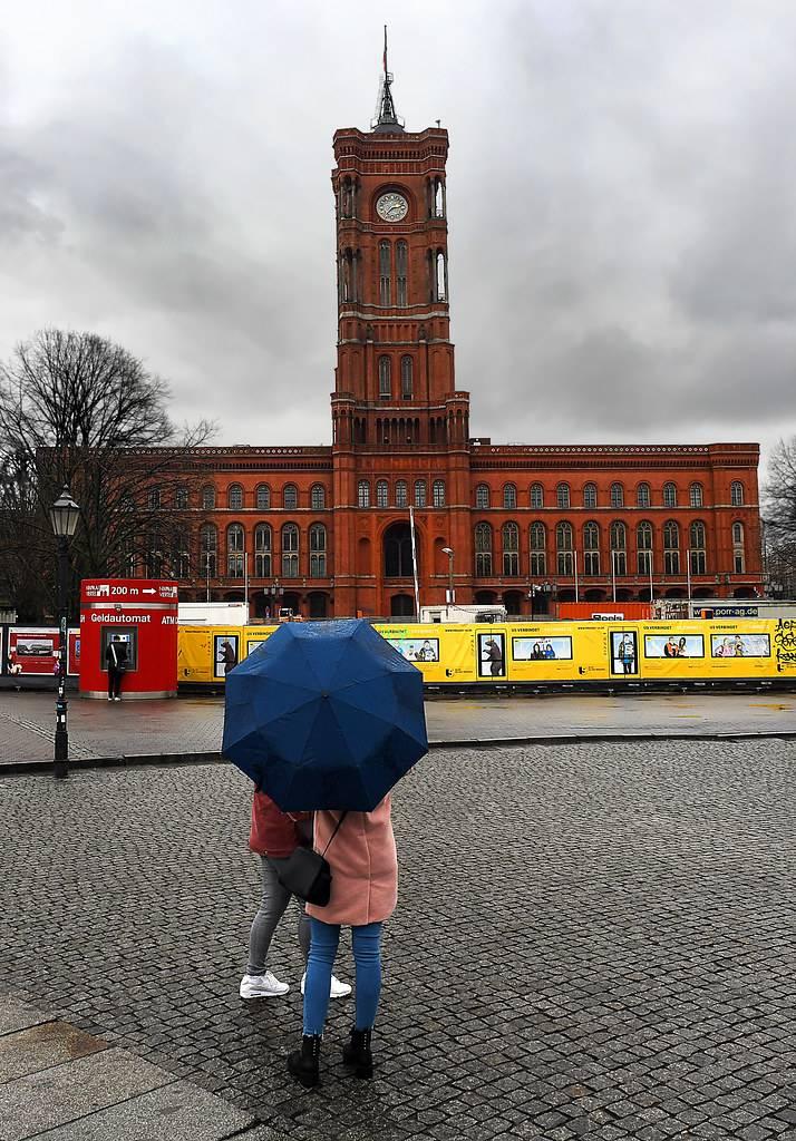 Красная ратуша: великолепная резиденция бургомистра