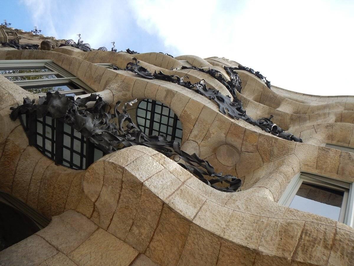 Дом мила в барселоне: описание, история, фото