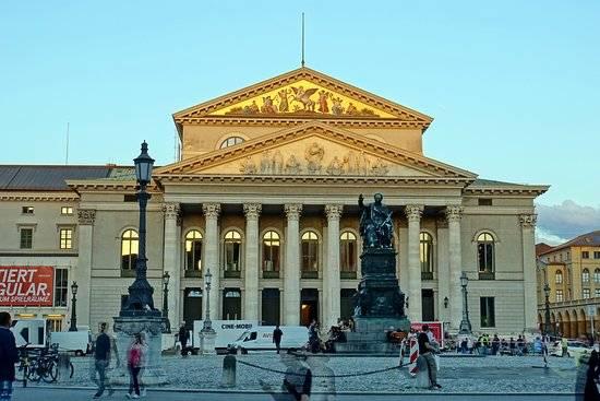 Баварская государственная опера