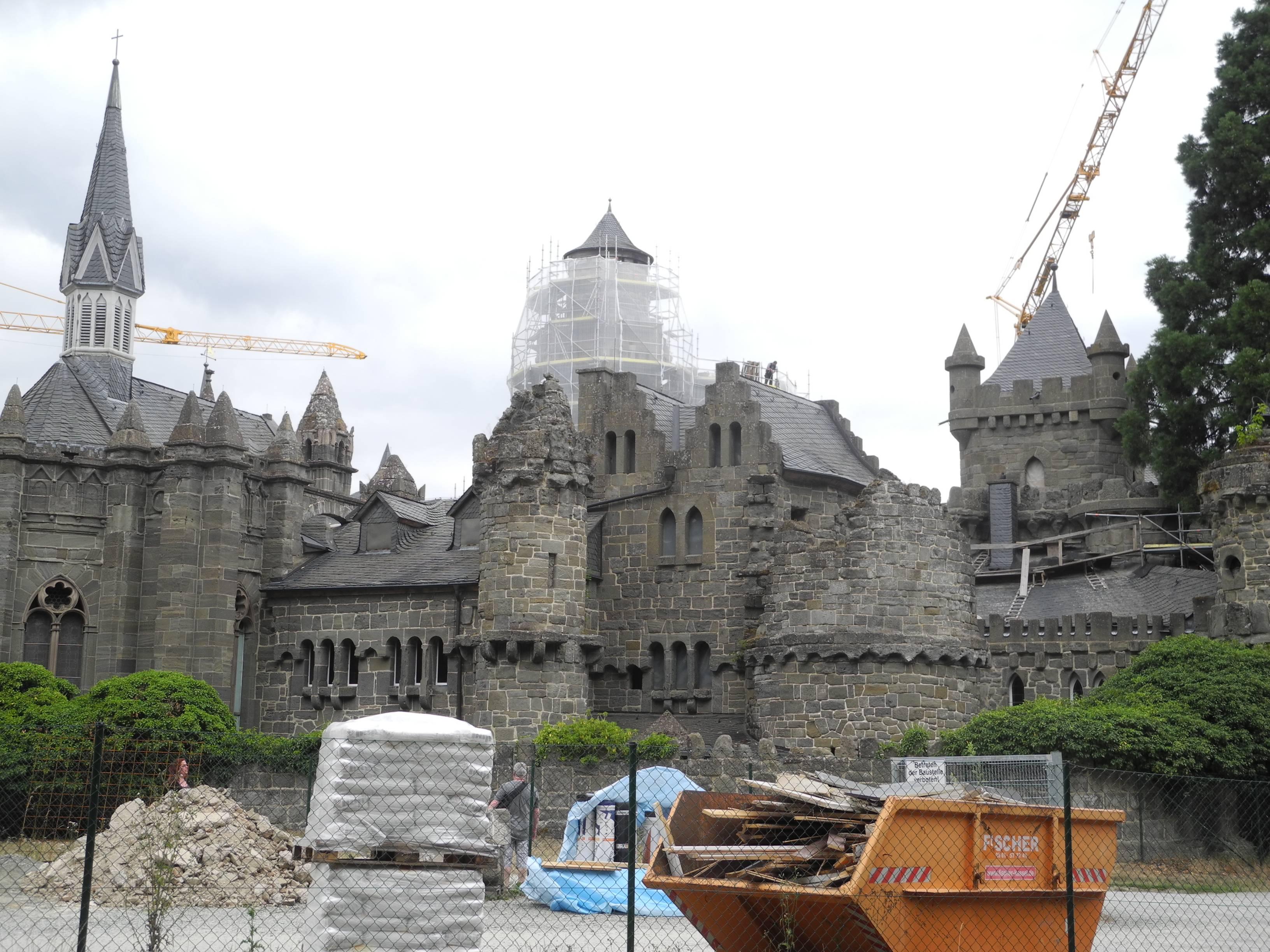 Сказочный замок левенбург в германии