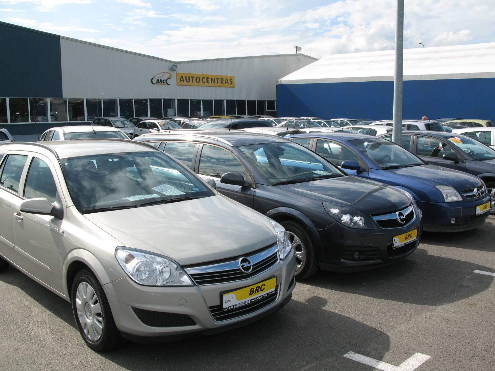 Выгодно ли покупать автомобиль в кредит в 2020 году: плюсы и минусы, условия получения, пример выгодного автокредита и нюансы | помощь водителям в 2021 году