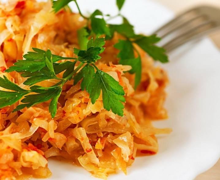 Тушеная квашеная капуста по-немецки: традиционный рецепт с вариациями