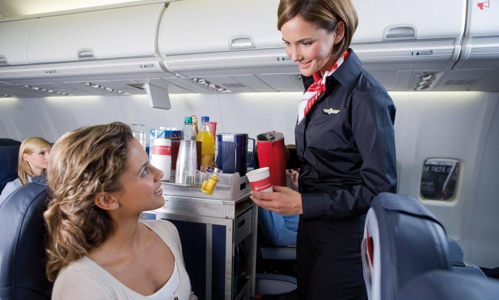 16 секретов авиакомпаний, которые рассказали бортпроводники - лайфхакер