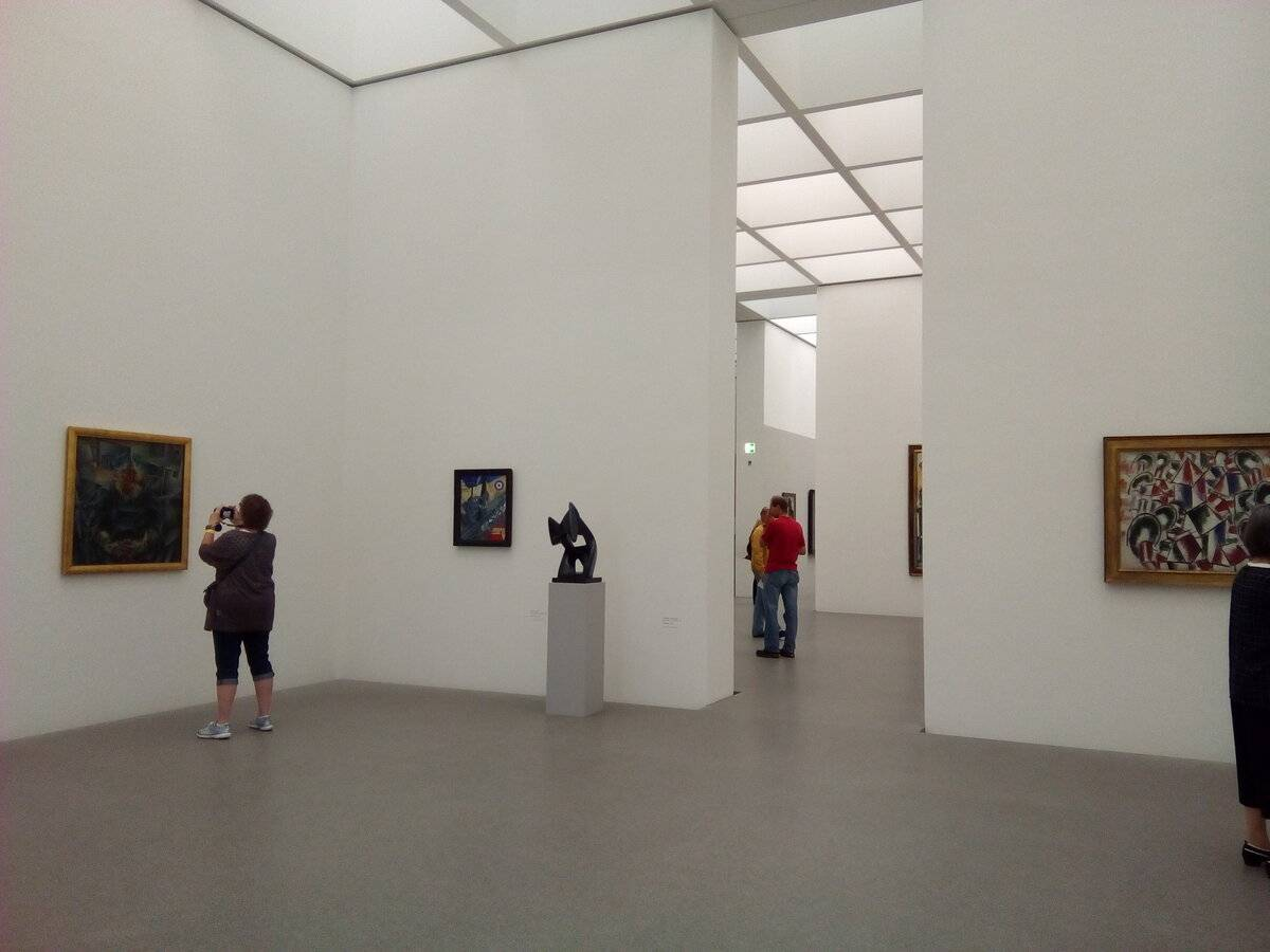 Новая пинакотека (нем. neue pinakothek) в мюнхене. фото