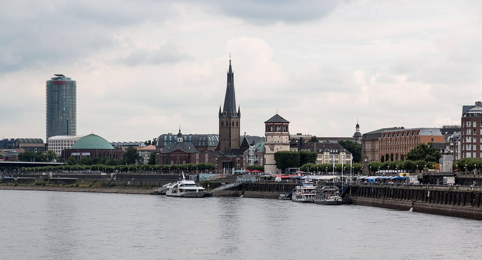 Дюссельдорфская ратуша – описание и архитектура