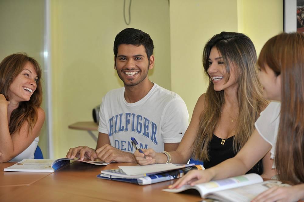 Обучение в языковых школах Испании
