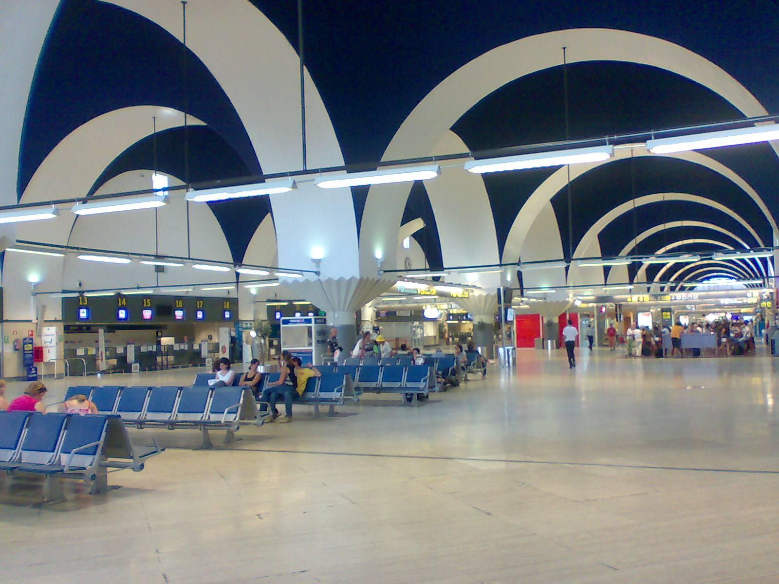 Как доехать из аэропорта севильи до центра города | авиакомпании и авиалинии россии и мира