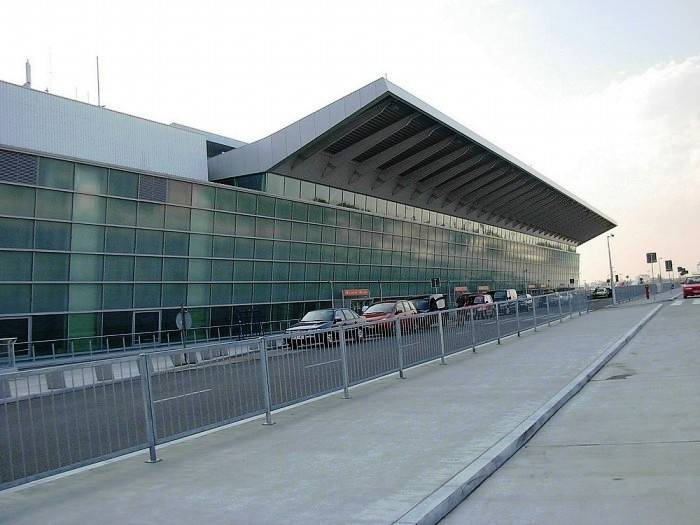 Варшавский аэропорт имени фридерика шопена — википедия