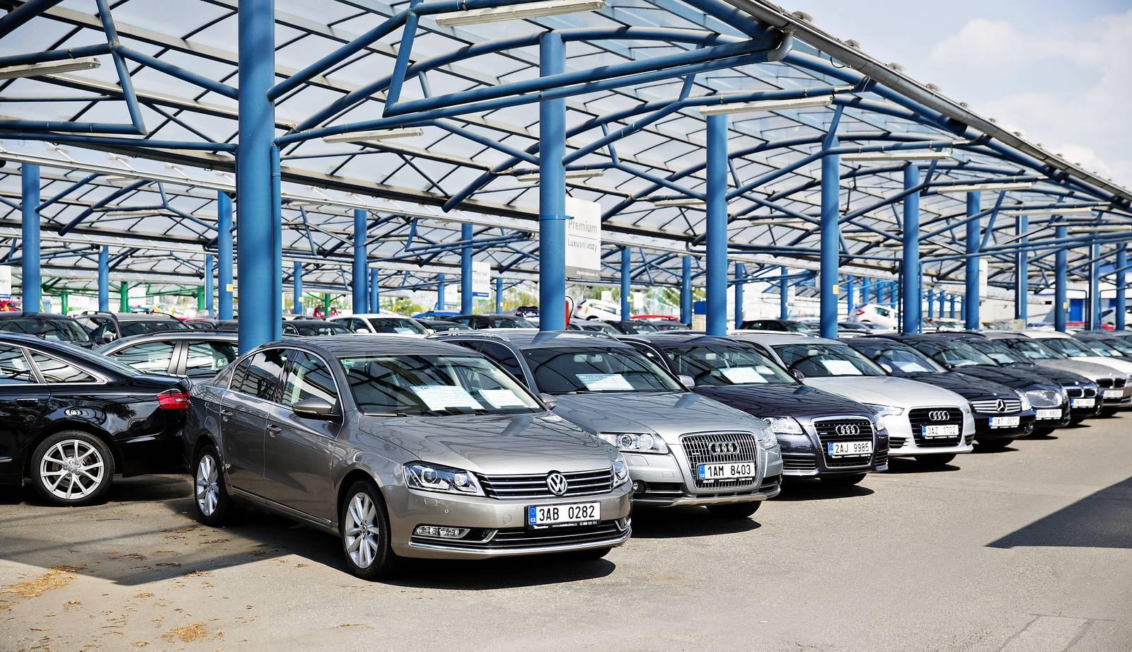 Аренда машины в риге: прокат автомобилей avis латвия