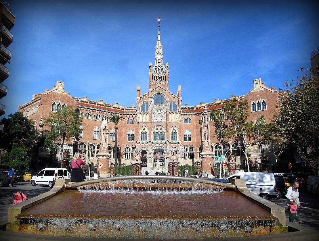 Госпиталь Сан Пау – своеобразный мини-город в Барселоне