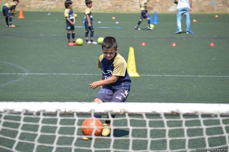 Детский футбол в испании