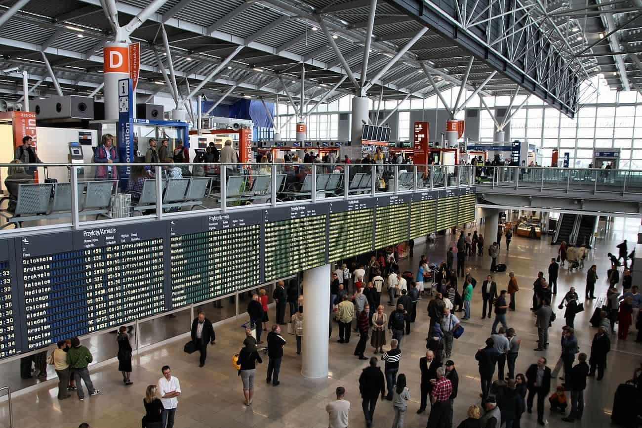 Варшавский аэропорт имени фридерика шопена