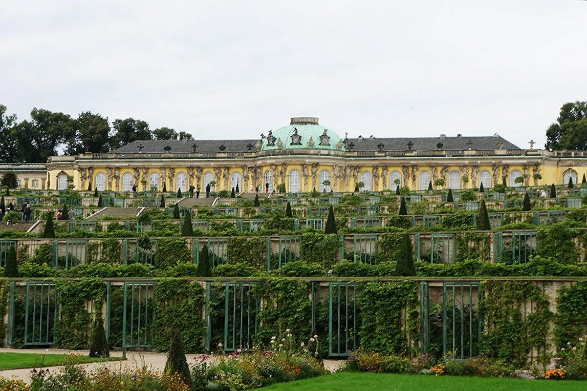Дворец сан-суси в потсдаме – место утех и упокоения великого короля – так удобно!  traveltu.ru